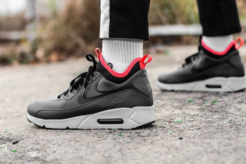 86f4f4170400 ... Nike Air Max 90 Ultra Mid Winter (924458-003) Click to zoom ...